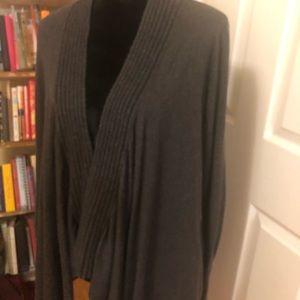 Dark grey open sweater with pockets